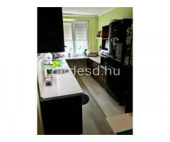 Teljesen felújított lakás eladó - Kép 2