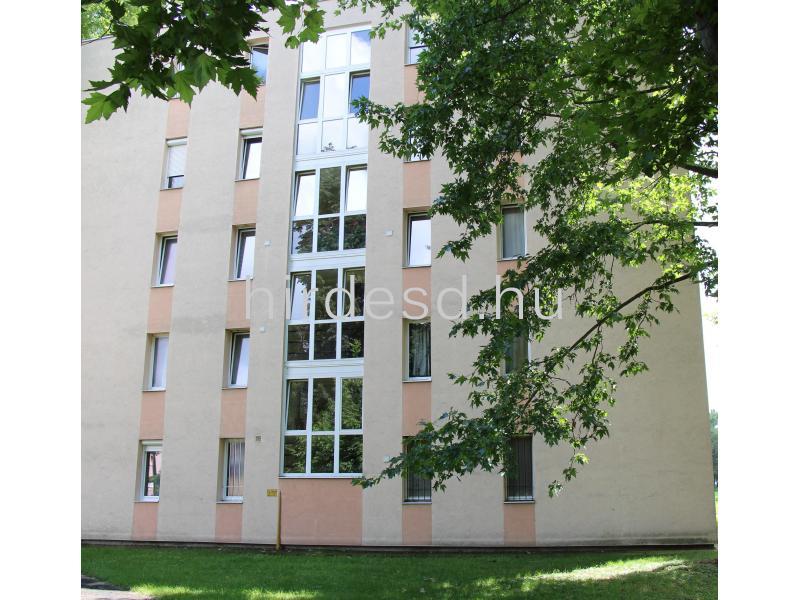 Állomás közelében 2 szobás lakás eladó - 1